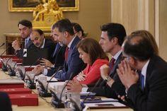 Su Majestad el Rey interviene durante la reunión. Palacio de La Zarzuela. Madrid, 17.06.2015
