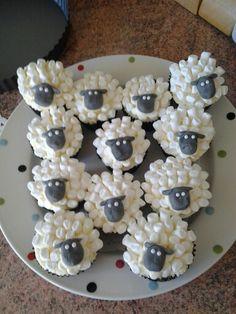 Shaun the sheep cakes