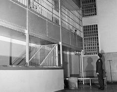 Как журналисты из тюрьмы сбежали  http://ufa-room.ru/kak-zhurnalisty-iz-tyurmy-sbezhali-41148/