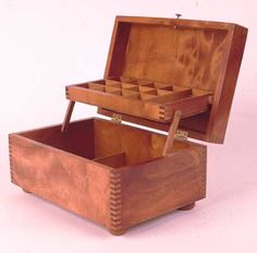 9 Free DIY Jewelry Box Plans: Jeff Greef Woodworking's Free Jewelry Box Plan #woodworking