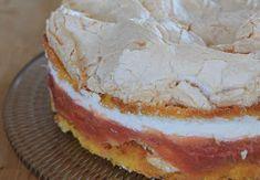 Svenja's Koch- und Backblog: Erdbeer-Rhabarber-Torte mit Baiser Bagel, Camembert Cheese, Food And Drink, Pie, Sweets, Bread, Breakfast, Desserts, Recipes