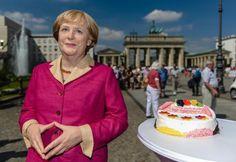 "ALLEMAGNE • ""Bon anniversaire, Angela!"""
