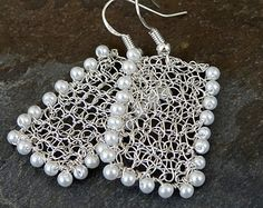 Wire crochet earrings Gold drop earrings. Pearl by ByDrora on Etsy