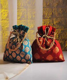 Buy Regal Accents Woven Splendour Handcrafted brocade silk batuwas in gorgeous festive colors Online Potli Bags, Diy Handbag, Boho Bags, Patchwork Bags, Fabric Bags, Cloth Bags, Handmade Bags, Small Bags, Gift Bags