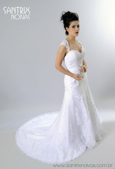 Vestido de Noiva em Renda Semi Sereia - Aluguel ou Venda | Santrix Noivas