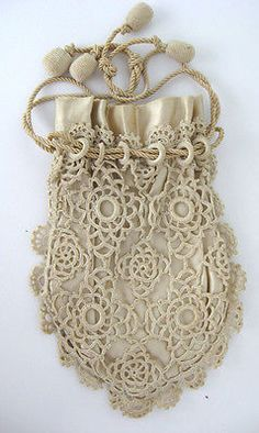 VINTAGE CROCHETED HAND BAG DECO DRAWSTRING FINGER PURSE IVORY SATCHEL