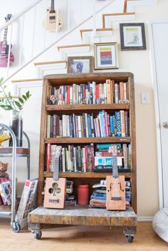 House Tour: Two Book Designers\' \