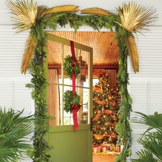 Christmas Decorating Ideas: Welcome Your Guests in a Big Way
