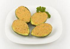 Avocado umplut cu legume si sos de caju Zucchini, Vitamins, Avocado, Vegetables, Food, Lawyer, Essen, Vegetable Recipes, Meals