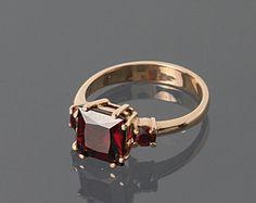 Garnet Ring Gold Gemstone Ring Vintage Garnet Ring by AditaGold