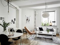 As cities get more crowded, space becomes another form of luxury. But that  doesn't mean we can't enjoy beautiful interior style for the sake of space.  Surely living in tiny apartments can be hard, but designers have the  ability to transform a narrow room into a stylish and comfortable home.