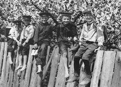 Berliner Vorort Jungs, um 1910.