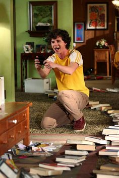 Okay, all-time favorite Axl moment so far? Either this episode or the 'life-changing moment' The Middle Series, The Middle Tv Show, Series Movies, Movies And Tv Shows, Tv Series, Atticus Shaffer, Charlie Mcdermott, Book People, Me Tv