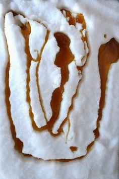 Bakeaholic Mama: Sugar on Snow (Maple Toffee)