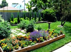 10 Awesome DIY Raised Garden Designs You Should Try For Your Enjoyment Raised Garden Bed Ideas Design No. Garden Design Ideas Uk, Back Garden Design, Raised Bed Garden Design, Garden Inspiration, Small Back Gardens, Small Backyard Gardens, Small Backyard Landscaping, Landscaping Ideas, Backyard Ideas