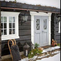 Lovely entrydoor idea in Norway