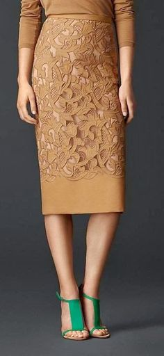 Burberry Prorsum Laser-Cut Lace Pencil Skirt- plu the emerald, love the look! Mode Outfits, Skirt Outfits, Dress Skirt, Lace Skirt, Dress Lace, Dress Red, Waist Skirt, Brown Dress, Lingerie Look