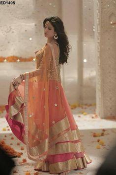 Katrina Kaif in beautiful peach lehenga. Pakistani Bridal, Pakistani Dresses, Indian Bridal, Indian Dresses, Indian Outfits, Bridal Lehenga, Indian Attire, Indian Ethnic Wear, Saris
