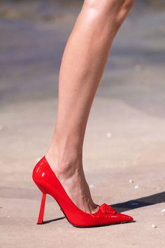 Men Fashion Show, Womens Fashion Sneakers, Fashion Shoes, Fashion 2020, Milan Fashion, Vogue Paris, Orange Heels, Versace Shoes, Slingback Shoes