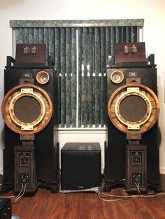 Even Hifi Audio Speakers Audiophile Speakers, Hifi Audio, Audio Speakers, Best Suitcases, Vintage Suitcases, Loudest Portable Speakers, Speaker Design, High End Audio, Boombox