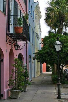 Charleston's Rainbow Row