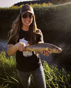 Fly Fishing Net, Fishing World, Gone Fishing, Shes A Keeper, Happy Fall, Mammals, Eye Candy, Outdoors, Outdoor