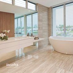 Inspiração super bacana para banheiros. Revestimento que simula madeira #incefra #madeira