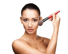 6 Makeup Tips to Enhance Your Best Assets in a Natural Way   Women's Health Magazine