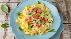 Vegetarische pasta met courgette en tomaat