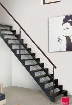 Escalier sur mesure bois et metal 14 marches teinté wengé L1000mm