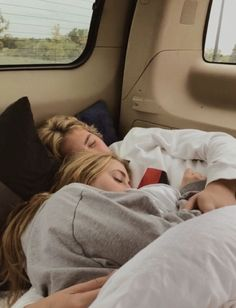 50 Cute And Romantic Relationship Goals You Must Have With Your Cute Couples Photos, Cute Couple Pictures, Cute Couples Goals, Couple Photos, Cute Teen Couples, Cute Couple Things, Cute Love Photos, Teenage Love Pictures, Couple With Baby