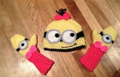Free Crochet Connection: FREE Pattern Minion hat and mittens set @Christy Polek Polek Marez Hattie-cakes!