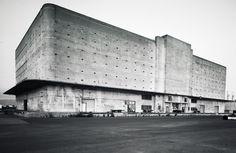 The Kaiser Shipyard's General Warehouse, photographed by Jon Haeber British Architecture, Architecture Student, Modern Architecture, Concrete Structure, Built Environment, Brutalist, Facade, Minimalism, Exterior