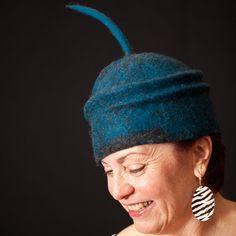 Felted Hat 'FUN' par ArtYouWearbyUB sur Etsy