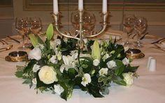 Composizione di fiori per un tavolo nuziale
