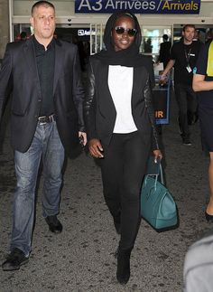 Lupita Nyong'o, Jake Gyllenhaal & More Arrive for Cannes Film Festival Photo Lupita Nyong'o is her usual stylish and gorgeous self as she walks through the airport after arriving for the 2015 Cannes Film Festival on Tuesday (May in Nice,… Cannes Film Festival 2015, Star Wars Film, Jake Gyllenhaal, Old Actress, Man Photo, Celebs, Celebrities, Celebrity Gossip, Street Style Women