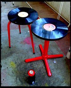 Tabouret disque vinyle rouge