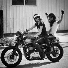 Cafe Racer Girls : Photo