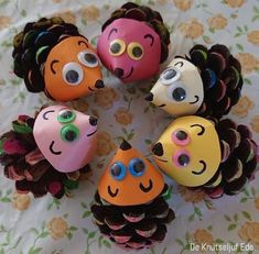 Pinecone Crafts Kids, Cute Kids Crafts, Easy Halloween Crafts, Summer Crafts For Kids, Pine Cone Crafts, Autumn Crafts, Craft Activities For Kids, Toddler Crafts, Preschool Crafts
