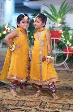 Kids Party Wear Dresses, Wedding Dresses For Kids, Kids Dress Wear, Little Girl Dresses, Girls Dresses, Kids Wear, Baby Girl Wedding Dress, Baby Dress Design, Baby Frocks Designs
