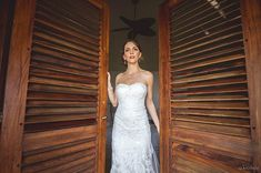 That moment  . . Gorgeous wedding of Jessica & Alex Casa Macaria (Puerto Escondido) March 2018 Wedding planner: @diamondweddingmexico . . . #CasaMacaria #weddingmexico  #Boda #bodascommx #Wedding #destinationwedding  #weddingphotography #fotosdeboda #weddingday #weddingdress #weddingphoto #shesaidyes #weddingphotographer #chasinglight #instawedding #bride #portrait #photography #fotografo #Canon #Canonphotography  #AlexKrotkov #PuertoEscondido #Mexico