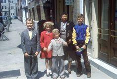 35mm Slide Atlantic City 1950s Street Scene Fashion Family Posing