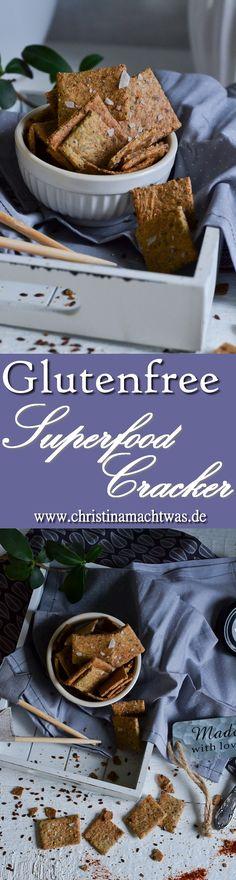 Ausversehen glutenfrei sind diese Superfood Cracker, die man aus einfachen Resten aus dem Küchenschrank herstellen kann. Super einfach und lecker! ---  Super easy glutenfree Cracker with Staples out of your pantry.