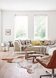 Decoração de: Sala de estar; poltrona de couro; Casa de Valentina