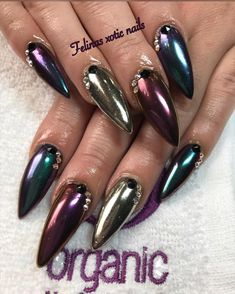 #felinamendoza #pointynails #stilettonails #galacticballs #chromenails #nailsdid