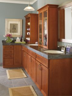 Charmant Shaker Style Bathroom Cabinets By Kemper Cabinetry