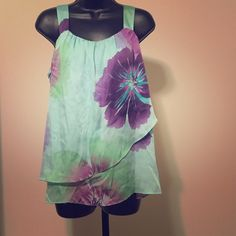 ⚡️Floral print tank Gently loved. No rips or tears. Floral top in purple, light blue, and green. Axcess Tops Tank Tops