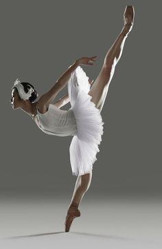 Sophia Lee, Principal Dancer at Canada's Royal Winnipeg Ballet in beautiful penche. Ballet Images, Ballet Pictures, Dance Pictures, Music Box Ballerina, Ballerina Dancing, Girl Dancing, Ballet Girls, Ballet Dancers, Ballerinas