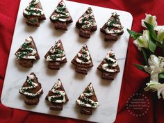 Recipe idea for baking Holiday Brownies easy and using ingredients from the #BettyCrockerBakeCenter #PlatefullCoOp #ad