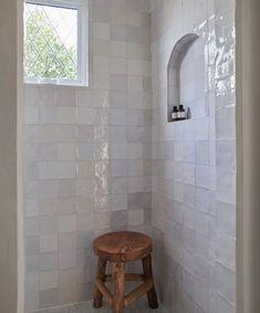 Beautiful Bathrooms, Modern Bathroom, Small Bathroom, Bathroom Ideas, Shower Bathroom, Bathroom Organization, Lake Bathroom, Tile Showers, Glass Showers